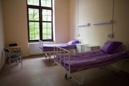 Главврач ЦГКБ в Калининграде рассказал, почему пациенты лежат в коридорах