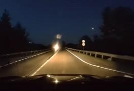 «Болид или космический мусор»: астроном рассказал о метеоре, замеченном в небе над Калининградом