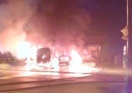 Ночью в Янтарном сгорело четыре автомобиля