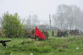 «Бой в снегу, всё в дыму»: в форту №5 прошла реконструкция штурма Кёнигсберга