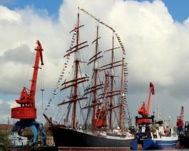 Легендарный барк «Седов» официально передали Калининграду
