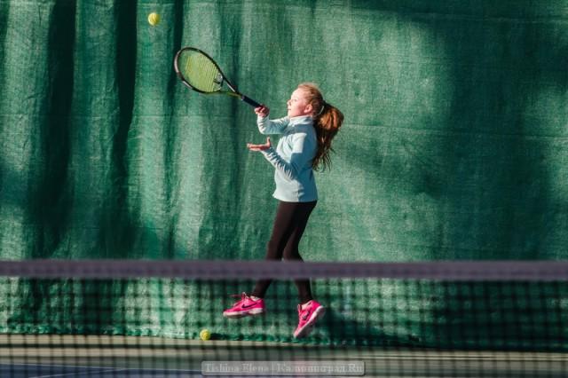«91 матч»: в калининградском турнире по теннису сыграло 60 детей (фото)
