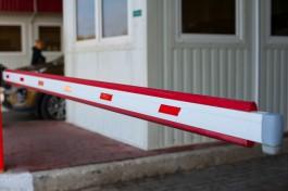 Пограничники не пустили в Литву грузовик из Калининграда из-за поддельных документов