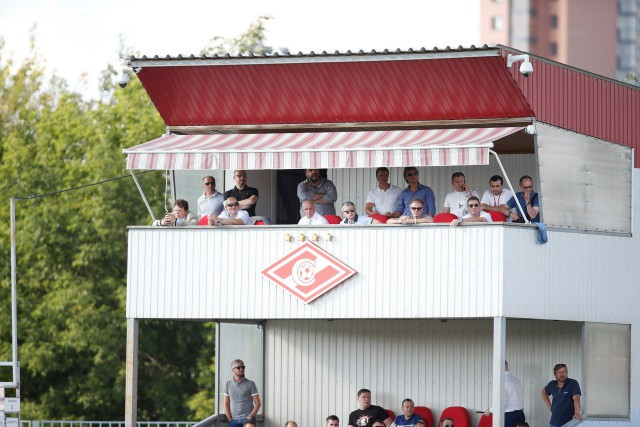 Футболист «Балтики» Погребняк сломал ногу вматче со«Спартаком-2»