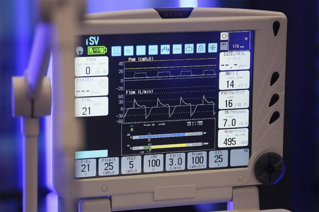 В Калининградской области вдвое увеличили число коек с аппаратами ИВЛ для пациентов с коронавирусом