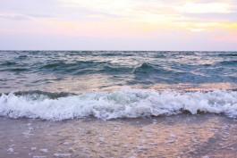 В Балтийске спасатели вытащили из моря двух тонущих подростков и пьяного мужчину