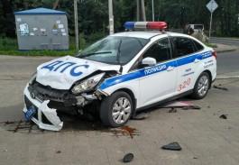 На ул. Дзержинского в Калининграде машина ДПС столкнулась с «Ладой»