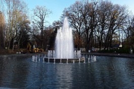 В зоопарке Калининграда в субботу запустили отремонтированный фонтан-памятник