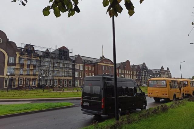 Фасад Нахимовского училища в Калининграде разобрали через месяц после открытия