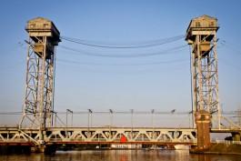 В Калининграде поднимут двухъярусный мост для захода десантного катера Балтфлота