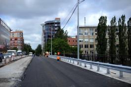 К концу недели подрядчик откроет движение по отремонтированной части моста на Озерова
