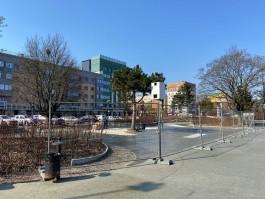 Сквер со светомузыкальным фонтаном в Калининграде частично закрыли на ремонт