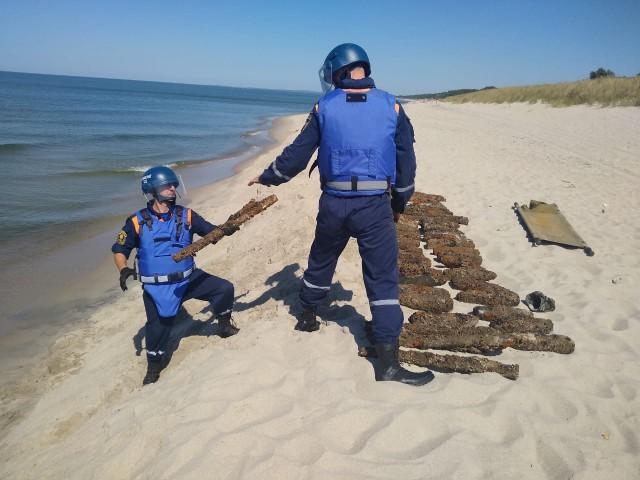 Туристов просят не ходить на пляж в Мечниково из-за разминирования баржи
