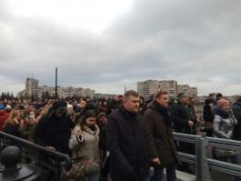 Навальный и его сторонники организовали шествие от Московского проспекта в парк «Южный»