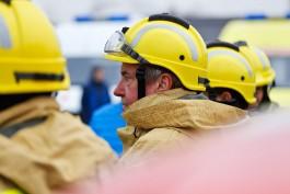 Ночью 17 пожарных тушили возгорание в квартире на окраине Калининграда