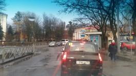 «Снова издеваются над гетто»: калининградцы жалуются на пробки из-за ремонта улицы Инженерной