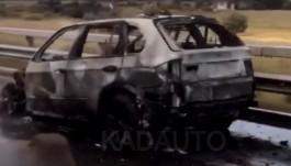 На Приморском кольце на ходу загорелся BMW X5