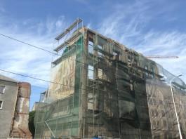 В Калининграде из-за усиления ветра перекрыли движение в районе Кройц-аптеки