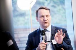 Экс-глава польского МИД: Польша угрожает России через замочную скважину