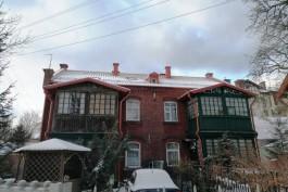 На доме возле парка в Зеленоградске восстановят элементы деревянного зодчества