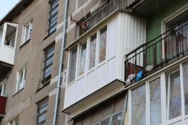 «Чтобы крышу не снесло»: кто в Калининграде может застеклить балкон даже на последнем этаже?