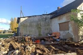 В Озёрском округе мужчину насмерть придавило крышей сарая