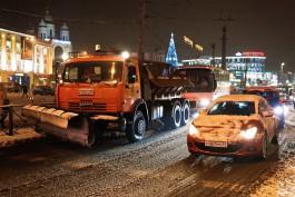 На уборку улиц Калининграда от снега выпускают более 80 единиц техники
