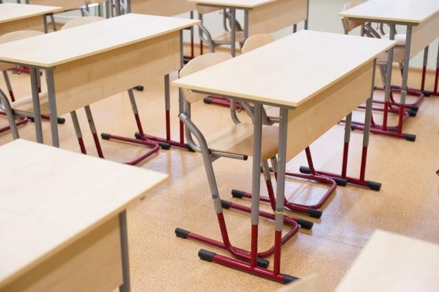 В Калининграде коронавирус выявили у двух школьниц: классы перевели на дистанционное обучение