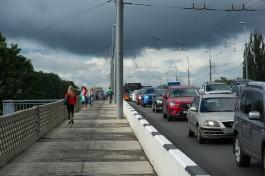 Очевидцы спасли женщину, которая пыталась спрыгнуть с эстакадного моста в Калининграде