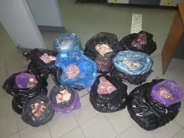 На границе в Багратионовске у водителя «Фольксвагена» изъяли более 200 кг мясной продукции из Польши