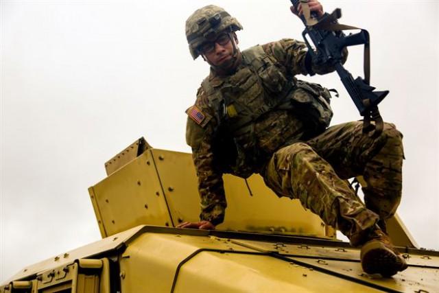 США разместят собственных солдат в60км от русской границы