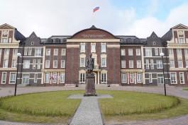 На улице Артиллерийской в Калининграде открыли памятник адмиралу Нахимову