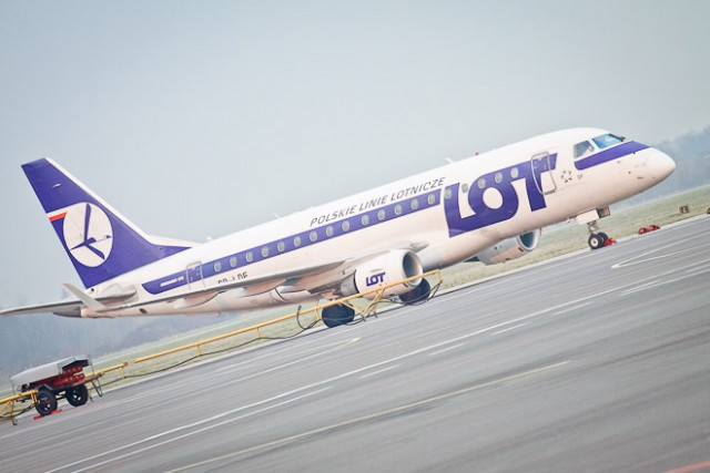 LOT возобновляет рейсы изВаршавы вКалининград с5июня