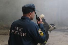 В посёлке Взморье под Светлым сгорел гараж с автомобилем