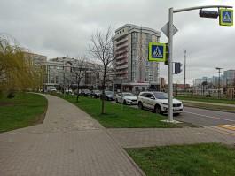 «Проедут три калеки»: калининградцы жалуются на пробки на Артиллерийской из-за нового светофора