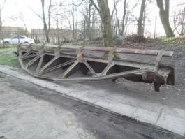На улице Дачной в Калининграде разбирают немецкий мост
