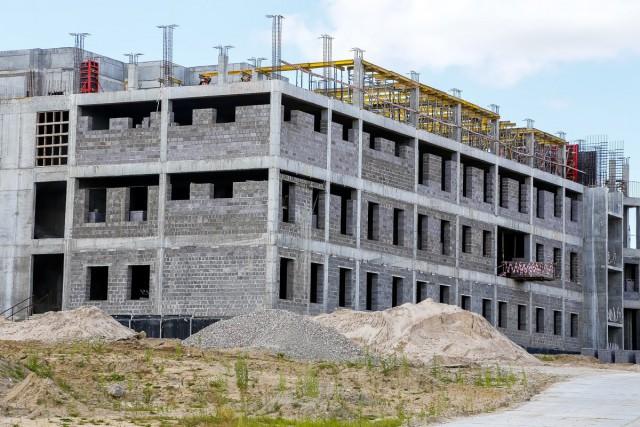 Черномаз: Пока рабочих на строительстве онкоцентра в Родниках недостаточно