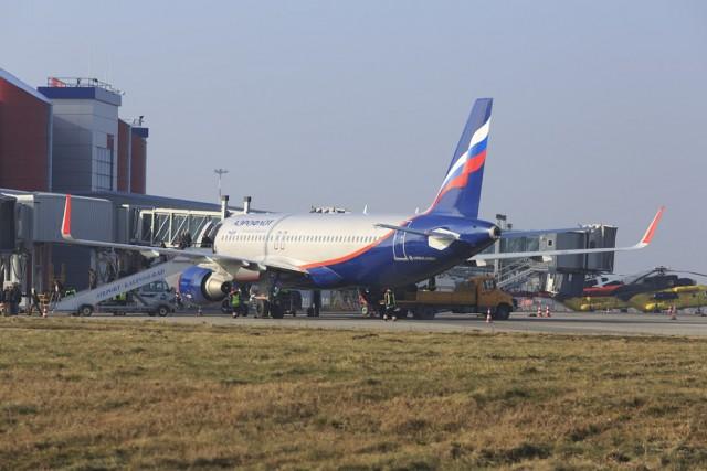 ВХраброво из-за сильного снегопада несмог приземлиться самолёт из столицы