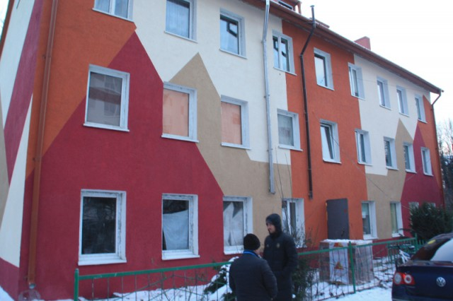 Лучше бы снесли»: жители дома в Калининграде недовольны качеством капремонта