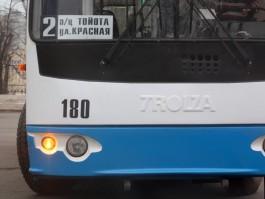 Очевидцы: На Советском проспекте в троллейбусе умер пенсионер
