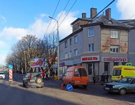 Очевидцы: На улице Горького в Калининграде сбили мать с ребёнком