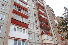 В Калининграде автомобилисты засудили управляющую компанию за упавшие на машины балконы