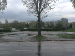 Улицу Пролетарскую затопило из-за прорыва старого водопровода