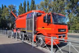 Власти Калининграда показали новую машину для очистки канализации за 31 млн рублей