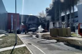 «Горело техническое масло»: в МЧС рассказали о пожаре на территории «Мираторга»
