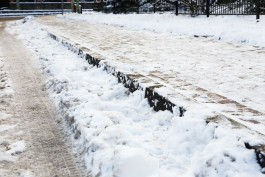 МЧС предупреждает об усилении ветра и гололедице в Калининградской области