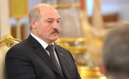 Экзитпол: Александр Лукашенко побеждает на выборах президента Белоруссии