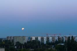 «В земной тени»: в небе над Калининградом наблюдалось лунное затмение