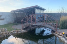 В пруду во дворе частного дома под Зеленоградском утонул трёхлетний мальчик