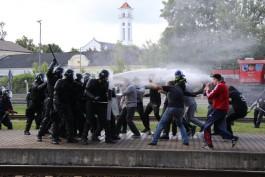 «С палками против водомётов и овчарок»: в Литве учились обезвреживать пассажиров поезда из Калининграда